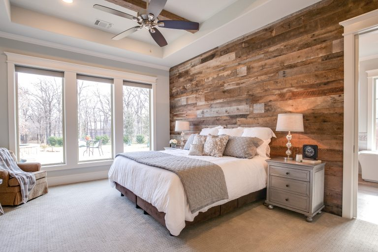 Design Ideas for a Farmhouse Bedroom